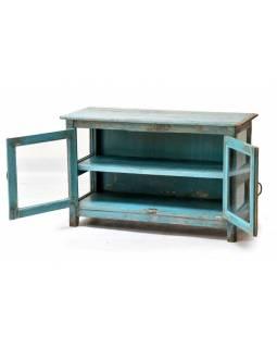 Prosklená skříňka z teakového dřeva, tyrkysová patina, 102x43x62cm