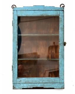 Prosklená skříňka z teakového dřeva, tyrkysová patina, 36x13x76cm