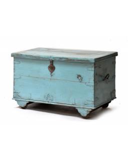 Stará truhlička z teakového dřeva, tyrkysová patina, 92x54x56cm