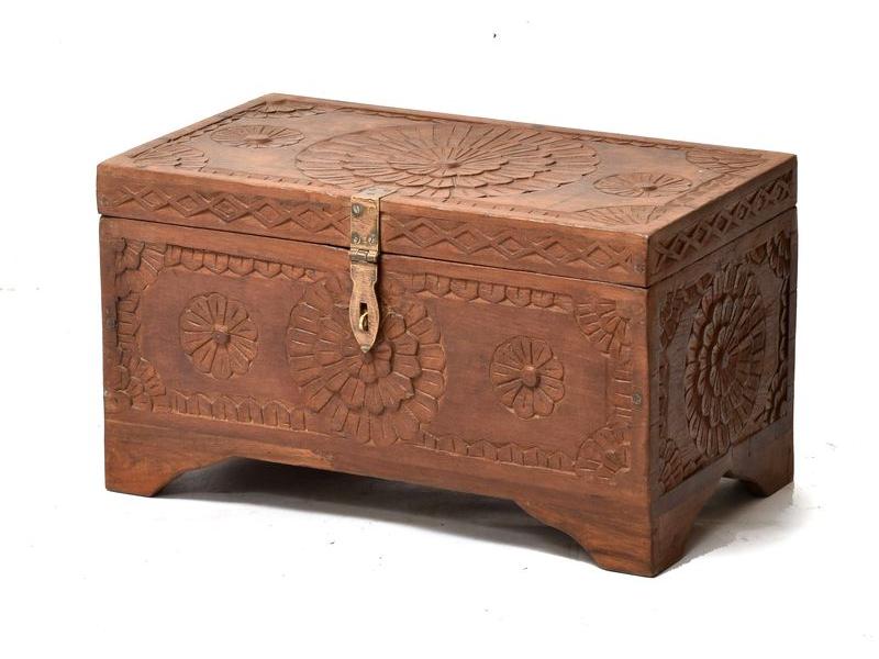 Truhla z teakového dřeva ručně vyřezávaná, 69x39x39cm