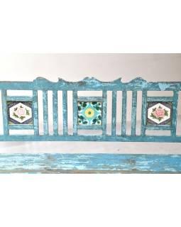 Stará lavička z teakového dřeva zdobená keramickými dlaždicemi, 166x45x92cm