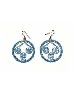 Kruhové visací náušnice s modrými korálky, stříbrný kov