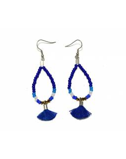 Visací náušnice s modrými korálky a třásničkou, tvar kapky, stříbrný kov
