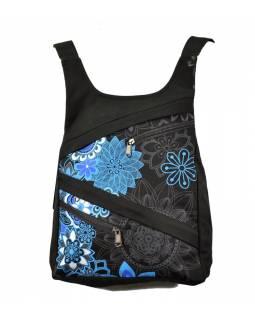 Originální batoh s pěti kapsami, černý s modrým potiskem, ruční práce, 32x36cm