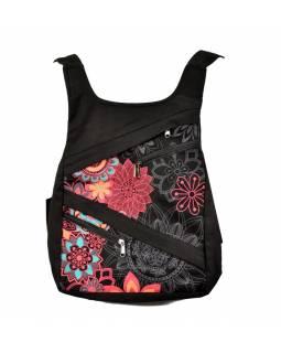Originální batoh s pěti kapsami, černý s rčůžovýn potiskem, ruční práce, 32x36cm