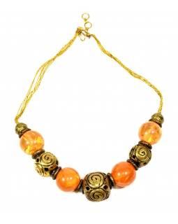 Masivní náhrdelník, rekonstruovaný jantar a zlaté kuličky, na šňurce, zapínání