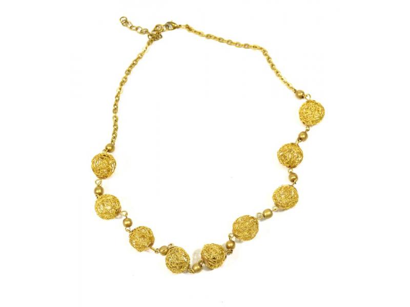 Náhrdelník ve zlaté barvě s kuličkami z drátků, zapínání