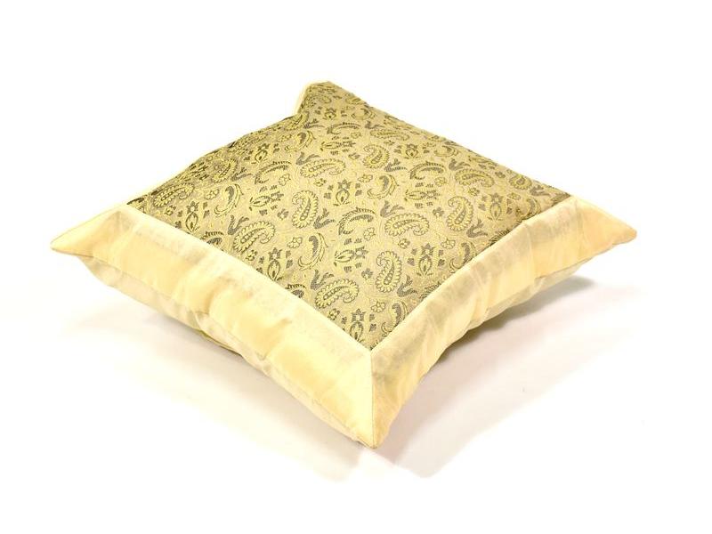 Světlý saténový povlak na polštář s výšivkou, zip, 40x40cm