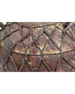 Stará kovová nádoba na vodu opletená kůží, 42x31x51cm