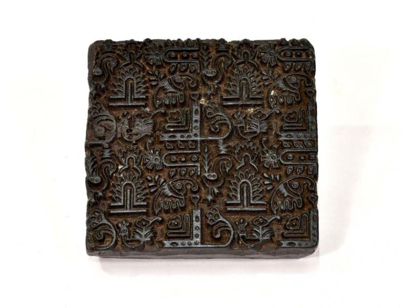 Antik dřevěná raznice na tisk přehozů s motivem floral, block print, 13x14cm
