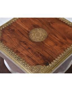 Konferenční stolek z palisandrového dřeva zdobený mosazným kováním, 45x45x45cm