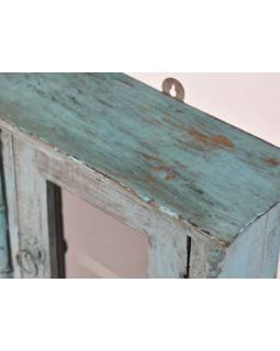 Prosklená skříňka z teakového dřeva, tyrkysová patina, 33x14x39cm