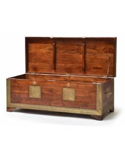 Truhla z palisandrového dřeva, zdobená mosazným kováním, 115x45x45cm
