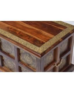 Truhla z palisandrového dřeva zdobená mosazným kováním, 84x40x40cm