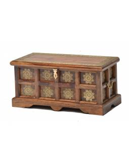 Truhla z palisandrového dřeva zdobená mosazným kováním, 64x30x30cm