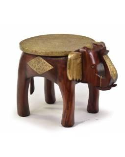 Stolička ve tvaru slona zdobená mosazným kováním, 50x35x38cm