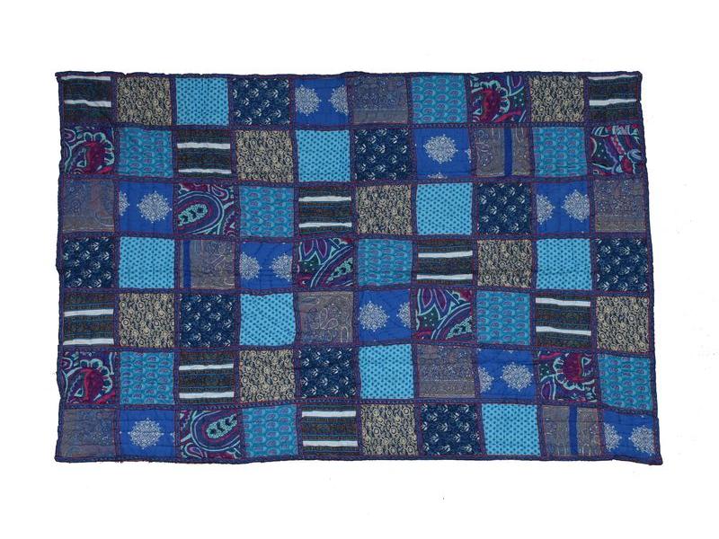 Patchworková, ručně prošívaná deka, modrá, výplň bavlna, 156x279cm