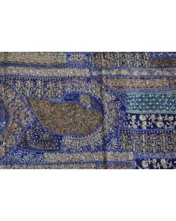 Unikátní tapiserie z Rajastanu, tmavě modrá, ruční zlaté vyšívání, 67x129cm