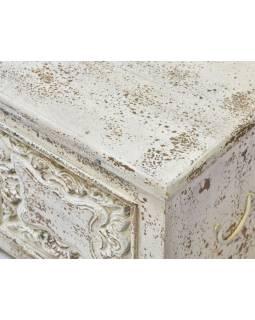 Truhla z mangového dřeva, bílá patina, ruční řezby, 133x40x46cm