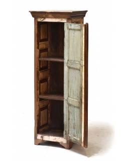 Skříň z teakového dřeva, tyrkysová patina, 45x37x131cm