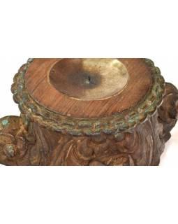 Svícen vyrobený z hlavice starého teakového sloupu, 25x25x17cm