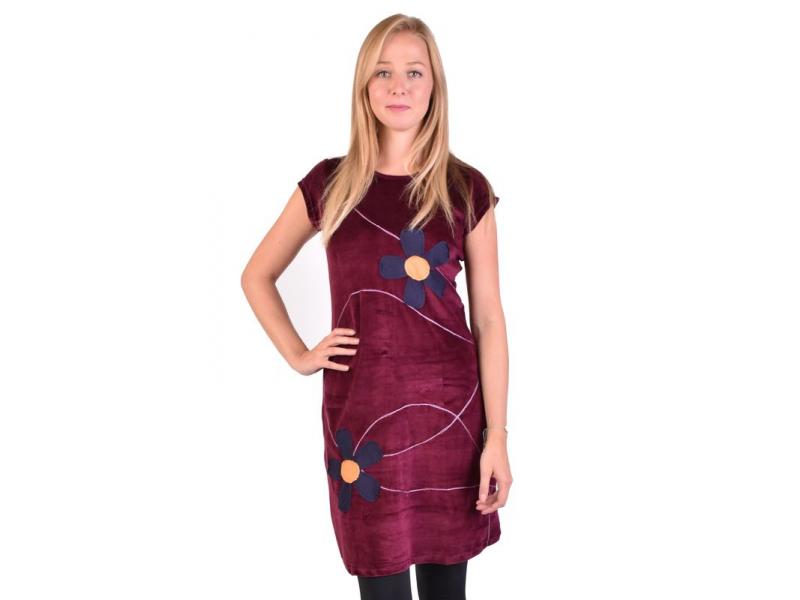 Krátké sametové vínové šaty krátkým rukávem, aplikace barevné květiny