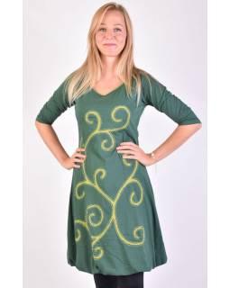 Krátké zelené balonové šaty s 3/4 rukávem a zelenými detaily