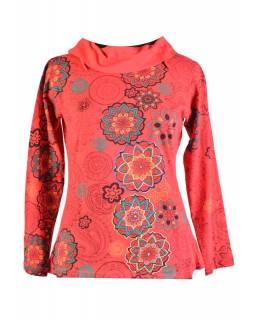 Červené tričko s dlouhým rukávem a límcem, mandala design