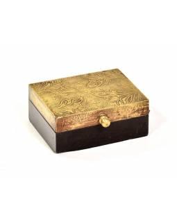 Dřevěná ozdobná krabička (šperkovnice), mosazné kování, 11x8x5cm