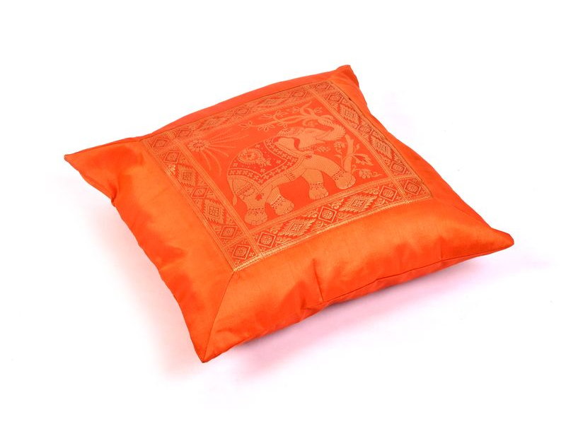 Oranžový saténový povlak na polštář s výšivkou slon, zip, 40x40cm
