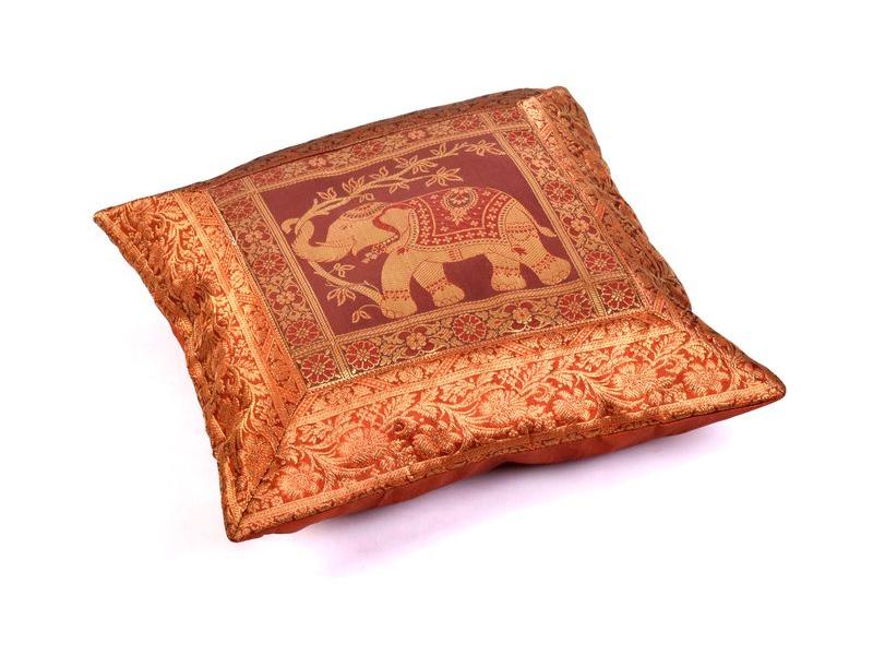 Hnědý saténový povlak na polštář s výšivkou slon, zip, 40x40cm