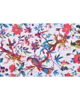 Přehoz na postel, bílý, prošívaný, potisk ptáků a květin, ruční práce, 148x220cm