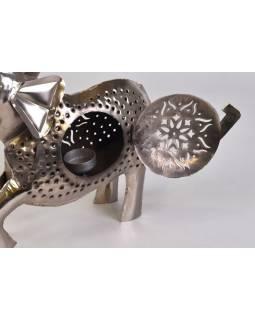 Kovový ručně tepaný svícen ve tvaru slona, 40x10x43cm