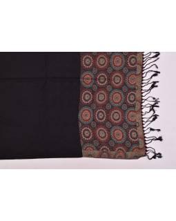 Velká šála s motivem mandal, s třásněmi, černá, 68x180cm