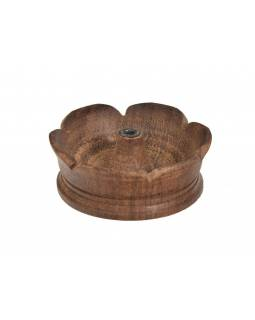 Dřevěný vyřezávaný stojánek na tyčinky,  prům 7cm, výška 2,5cm