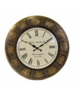 Velké nástěnné hodiny, tepaný antik zdobený mosazný plech, prům. 45cm