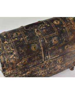 Stará kovová truhlička, ručně tepaná, 31x16x27cm
