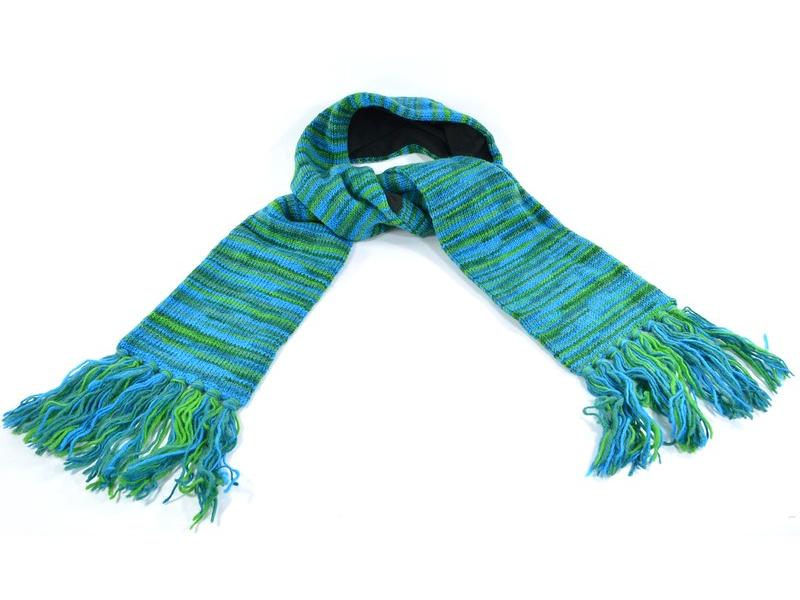 Vlněná šála v zeleno tyrkysových tónech s třásněmi