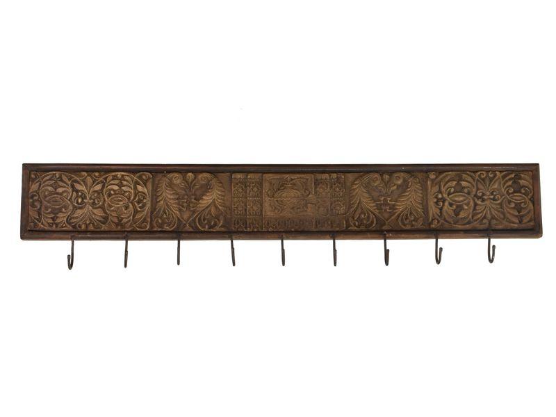 Dřevěný vyřezávaný starý panel s hačky, 120x4x26cm