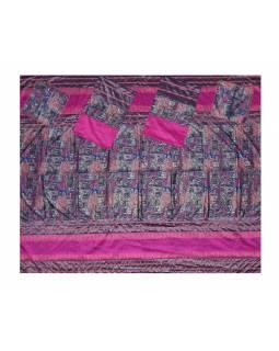 Přehoz na postel se čtyřmi polštářky, růžový, bohatě zdobený, 260x220