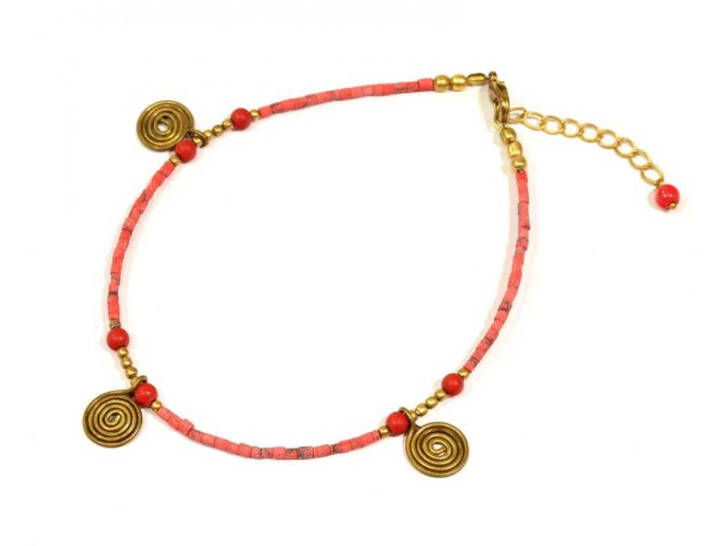 Náramek na nohu, drobné korálky, korálově červený, zlaté spirálky