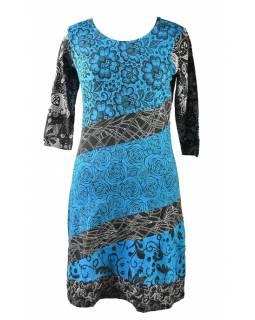 Tyrkysovo-modré šaty s květinovým potiskem a tříčtvrtečním rukávem