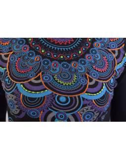 Černé tričko s dlouhým rukávem a límcem, mandala design