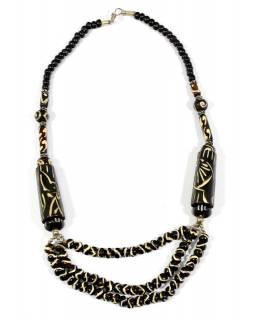 Tmavě hnědý kostěný náhrdelník s vyřezáváním