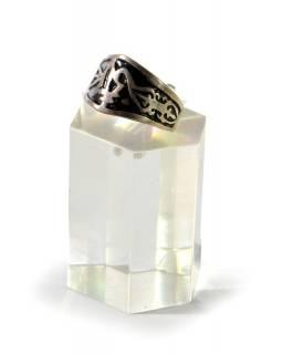 Silný stříbrný prsten s černým reliéfem, AG 925/1000