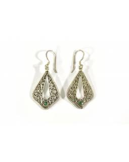 Stříbrné visací náušnice vykládané malým smaragdem, AG 925/1000