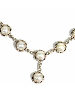 Stříbrný náhrdelník vykládaný perlami, karabinka, délka cca 47cm, AG 925/1000