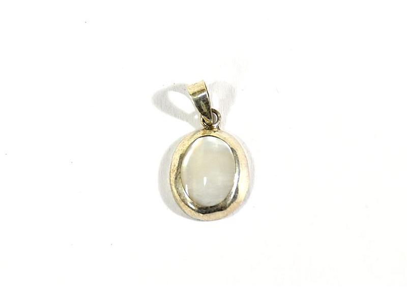 Stříbrný visací přívěsek vykládané perletí v barvě bílé, AG 925/1000