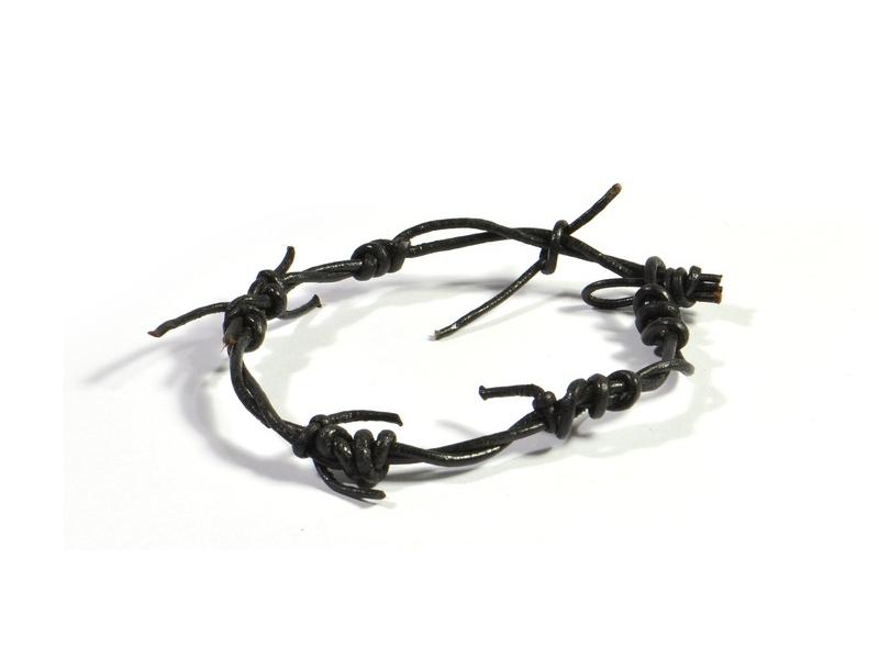 Náramek z kůže, imitace ostnatého drátu, černý