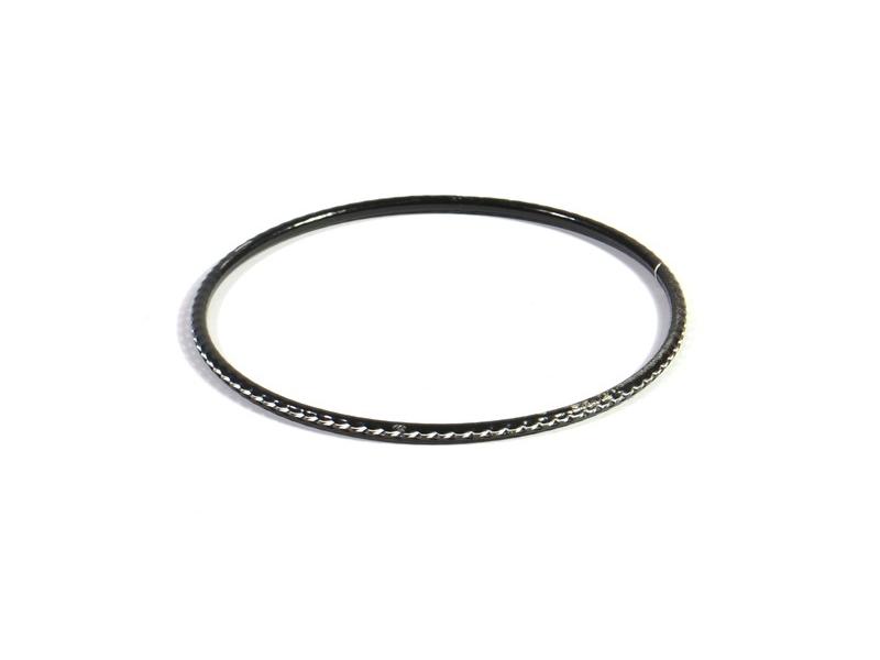 Kruhový náramek s jemným stříbrným vzorem, černý